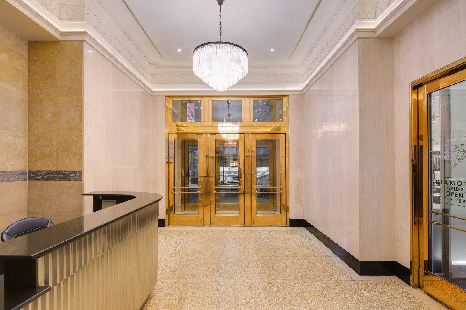 21 dundas foyer interior with chandelier